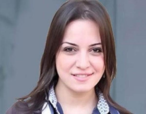 ريهام عبد الغفور تفاجئ جمهورها بصورة لها تبدو فيها حامل