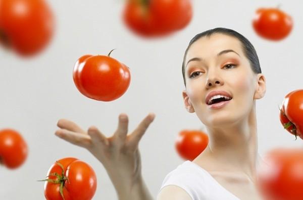 للرجال والنساء المتزوجين.. إحذروا رؤية الطماطم في المنام
