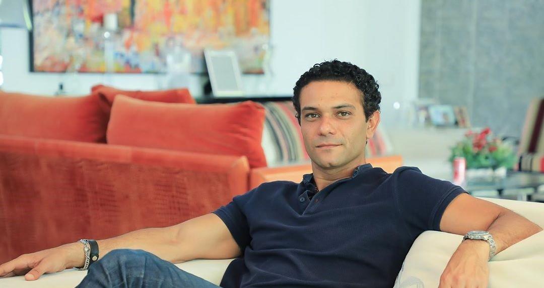 """آسر ياسين بدأ التحضير لفيلمه الجديد """"الشايب"""""""