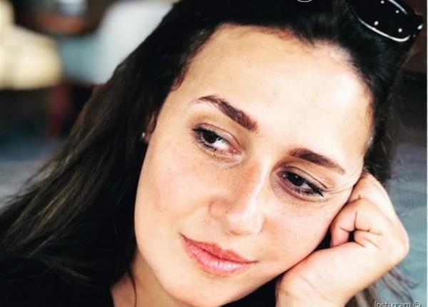 """الصورة الأولى لـ حلا شيحة من مسلسل """"زلزال"""" تثير الجدل"""
