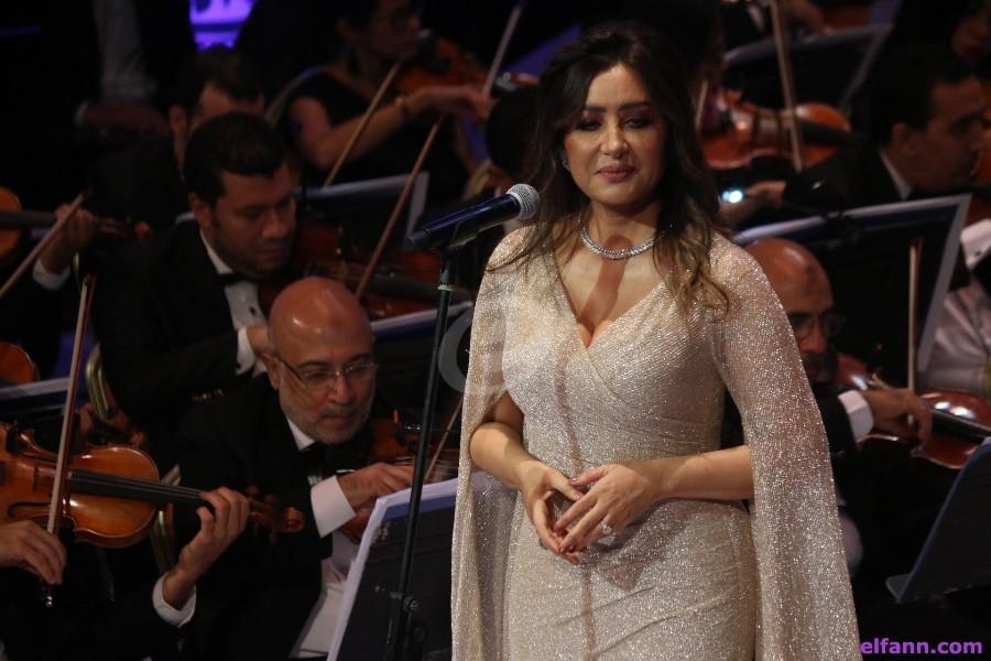 بعدما تحدثت عن منعها من الغناء في بلدها.. لطيفة تشارك في هذا المهرجان التونسي