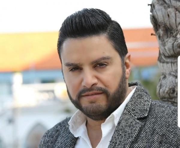 هشام الحاج يُكرم في أوسكار المبدعين العرب في تونس ولمن أهدى الجائزة؟