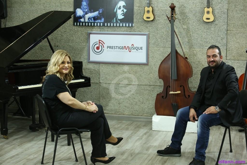 خاص وبالفيديو- طارق كرم يكشف حقيقة صورة عادل كرم ويعلق على الهجوم على نادين نسيب نجيم بسبب الممثلين السوريين