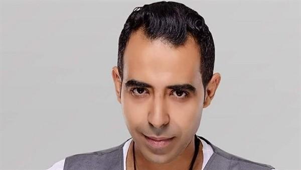شاب يتسبب ببكاء محمد عدوية والسبب؟-بالصورة