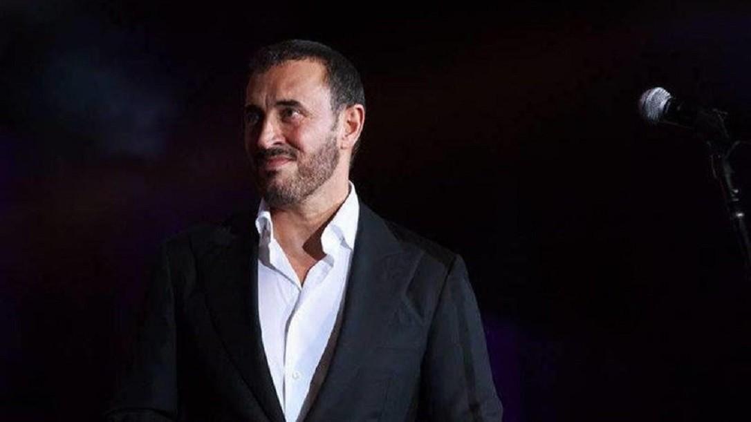 كاظم الساهر يوقف حفله في الأردن ويطلب المساعدة من مدير أعماله..ما الذي حصل؟ بالفيديو