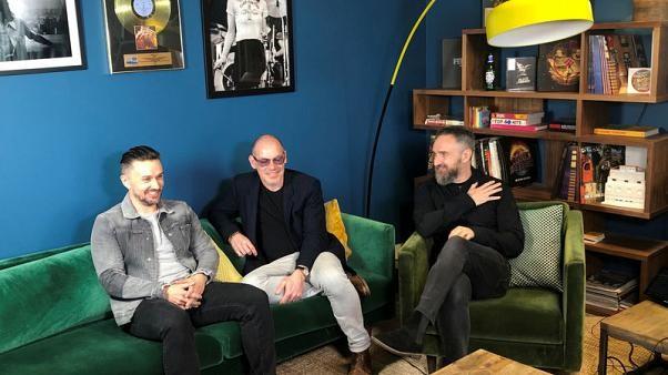 """فرقة الروك الأيرلندية """"ذا كرانبيريز"""" تطرح ألبومها الاخير وتكرم دولوريس أوريوردان"""
