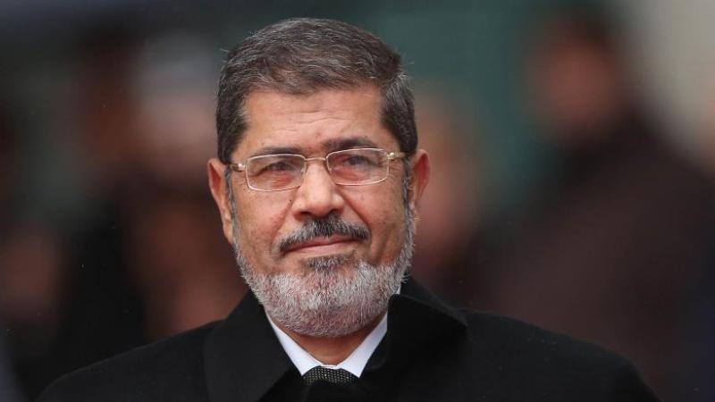 هكذا تفاعل فنانو مصر مع وفاة محمد مرسي