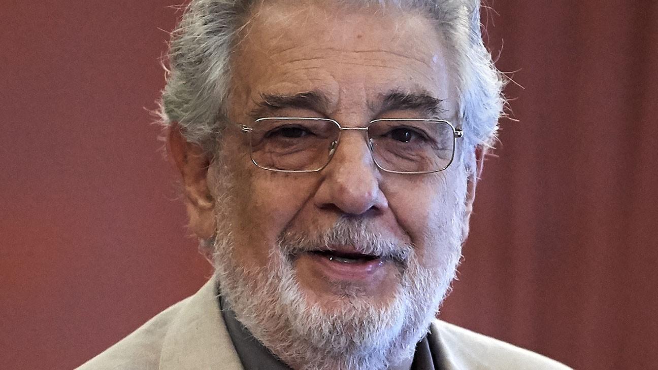 مغني الأوبرا الإسباني بلاسيدو دومينغو إلى التحقيق