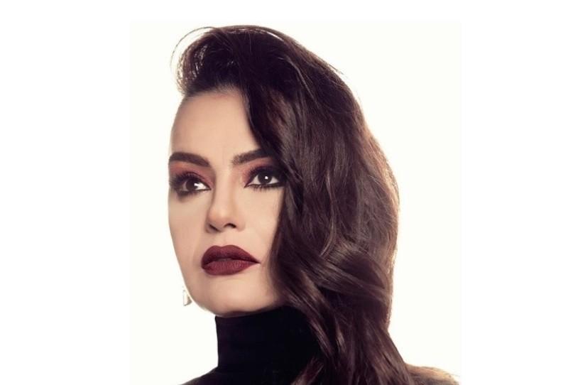 اجازة شيريهان في أوروبا تؤجل عروضها المسرحية في السعودية