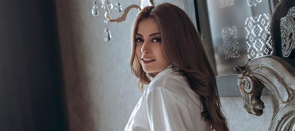 """بعد وفاة والدتها ..داليا مصطفى تعود لتصوير """"حواديت الشانزليزيه"""""""