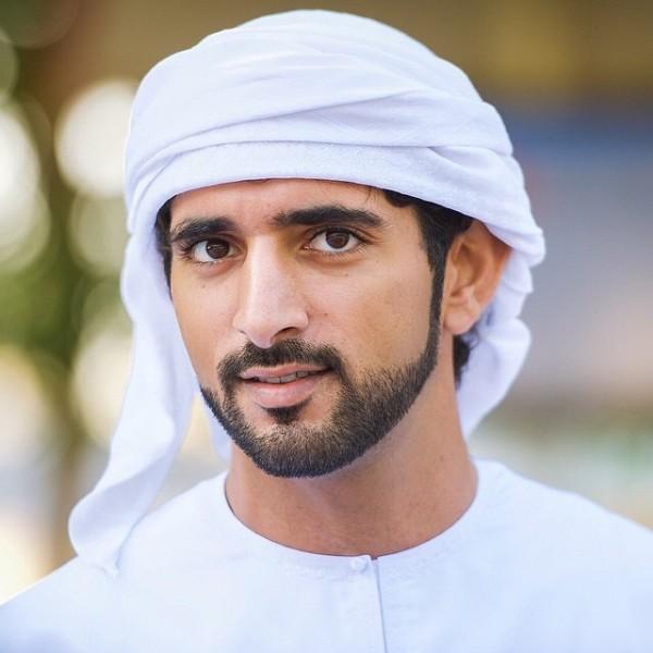 """بعد عقد قرانه..إليكم أول فيديو لـ""""مالد"""" ولي عهد دبي"""