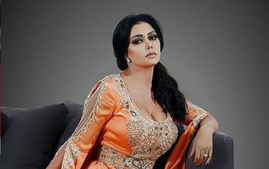 رانيا يوسف تخرج عن صمتها بعد إلقاء القبض على شبيهتها المتورطة بفيديو إباحي