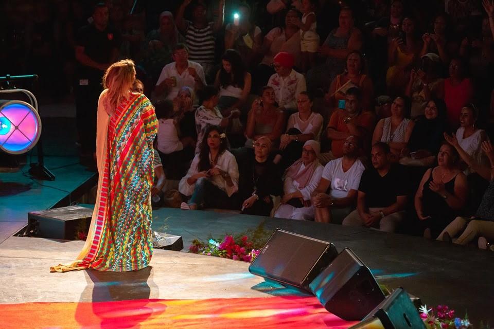 أمينة فاخت تغني ملحم بركات في مهرجان الحمامات الدولي..بالصور