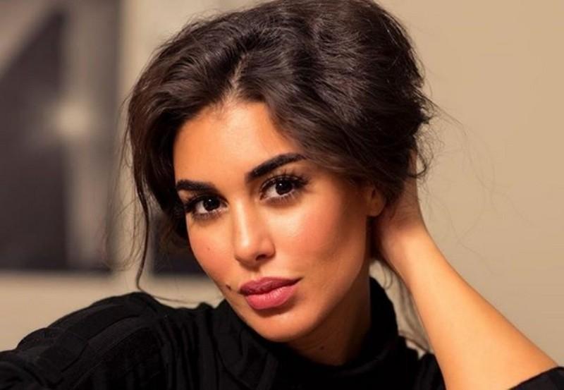 """ياسمين صبري تثني على أهمية مصممي الأزياء اللبنانيين في مسلسل """"حكايتي"""""""