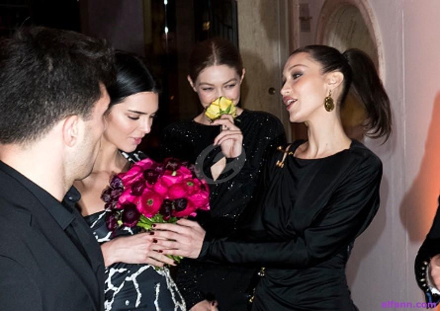 "كيندال جينر وجيجي وبيلا حديد يخطفن الأنظار بإطلالاتهن في حفل ""Versace"".. بالصور"