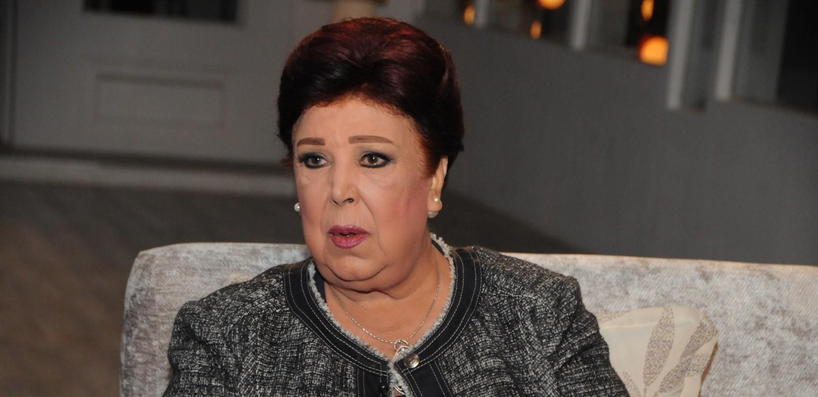 """رجاء الجداوي: """"لهذا رفضت العمل مع وردة الجزائرية"""" واستعارت ملابس زفافها من ممثلة مصرية-بالفيديو"""
