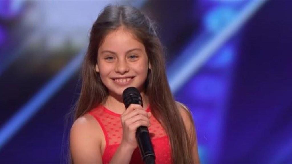 """بالفيديو- إيمان بيشة تذهل لجنة تحكيم """"America's Got Talent""""..""""مستقبل الأوبرا بخير"""""""