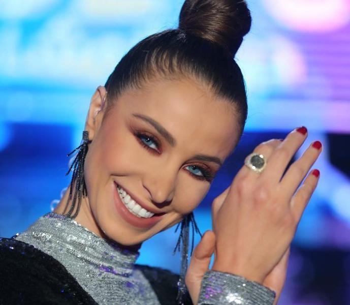 """خاص بالصور- أنابيلا هلال أول إعلامية لبنانية في Cannes series وتقدم حفل الـ """"Emmy Awards"""""""