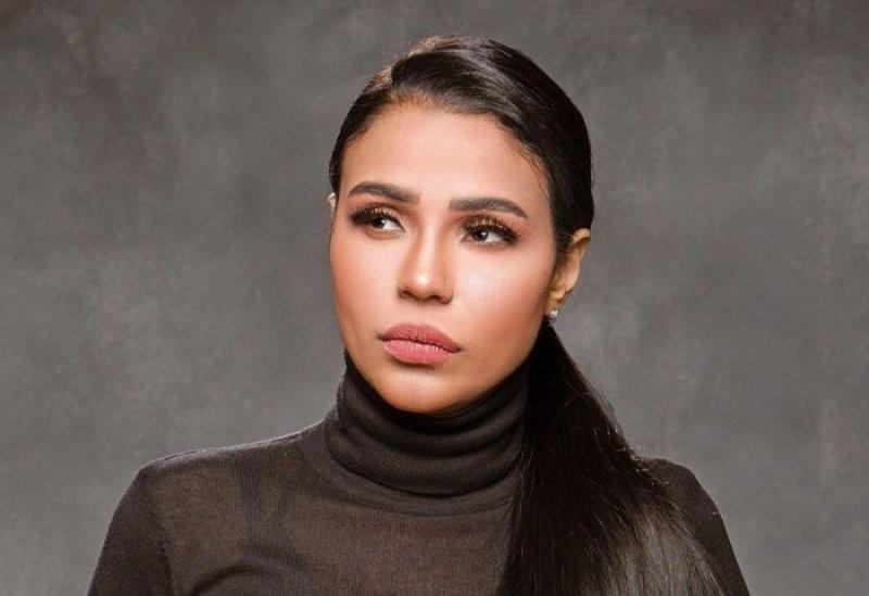 أمينة تردّ على منتقدي غنائها باللهجة العراقية