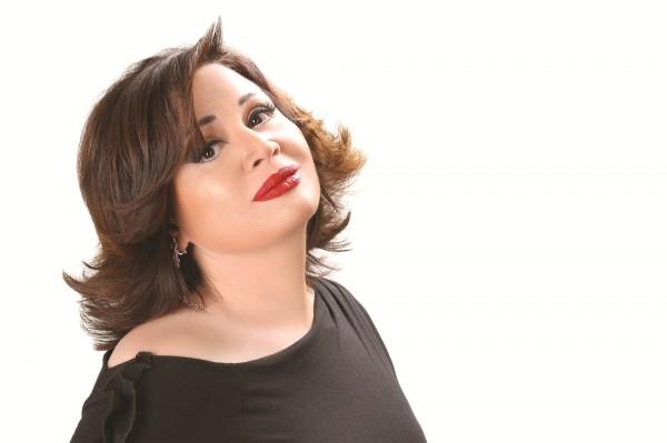 إلهام شاهين تكشف سبب رفضها زواج عمرو دياب من شقيقتها -بالفيديو