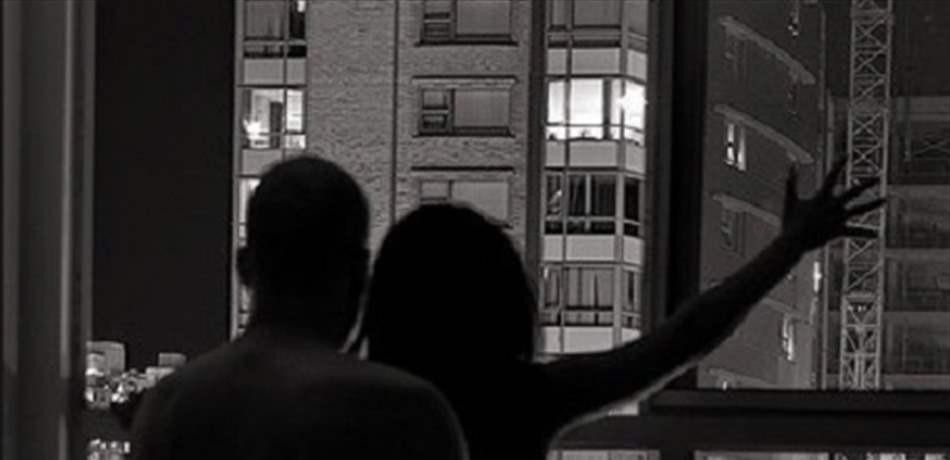 سقطا من الطابق التاسع.. أثناء ممارستهما الجنس!
