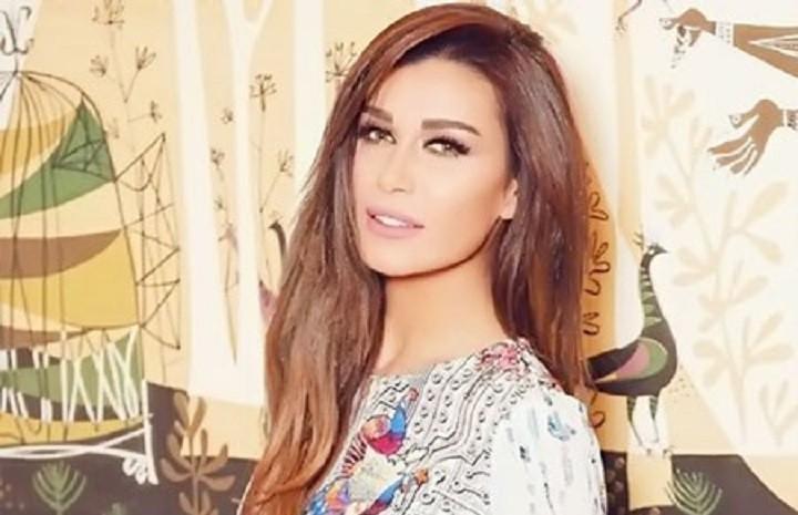 هل أعلنت نادين الراسي خطوبتها عبر هذه الصورة؟