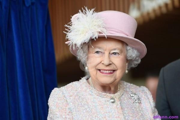 الملكة إليزابيث لا تحب هذا الأمر في شكل الأمير هاري