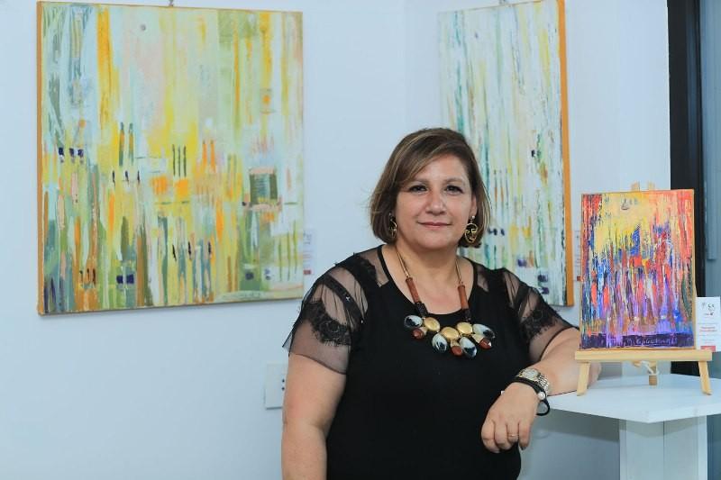 """معرض الفنانة التشكيلية ميراي غوغيكيان تحت عنوان  """"همسات لونية"""""""