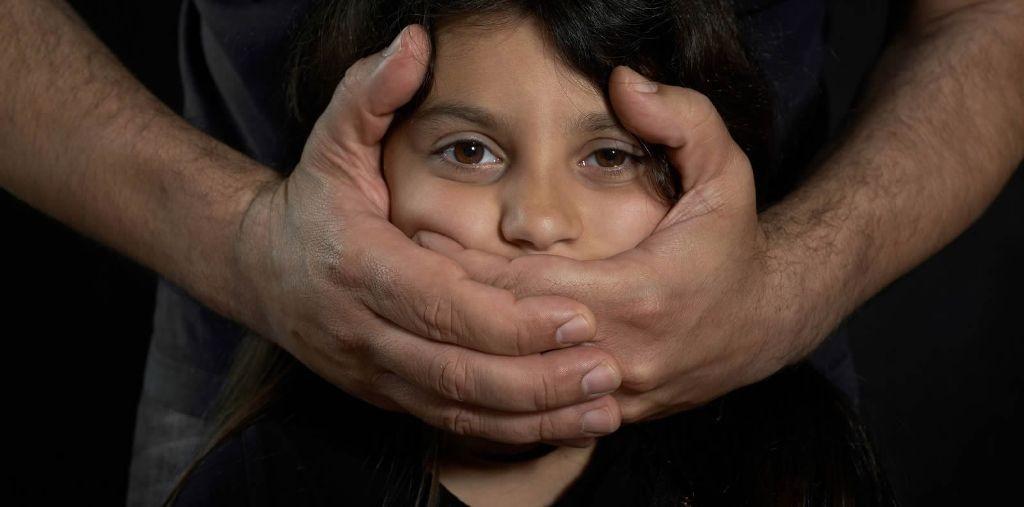 هذه علامات تعرض طفلكم لإعتداء جنسي