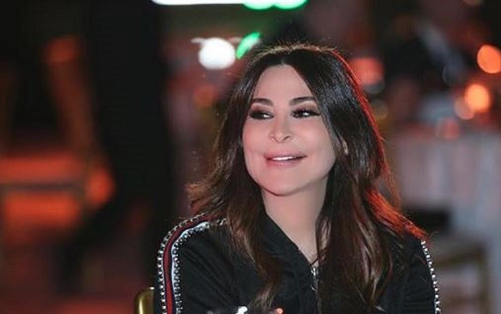 """إليسا: """"كل التقدير لشعب مصر بوجه كل الإرهابيين"""""""