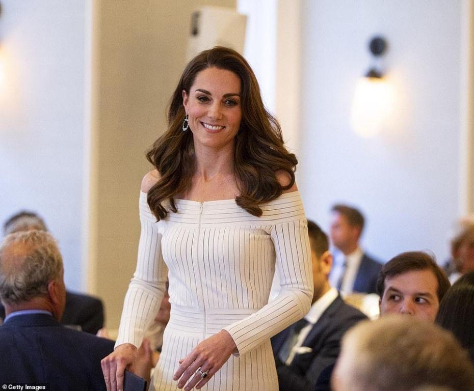 كيت ميدلتون تختار فستانها في فترة التنزيلات.. كم بلغ ثمنه؟
