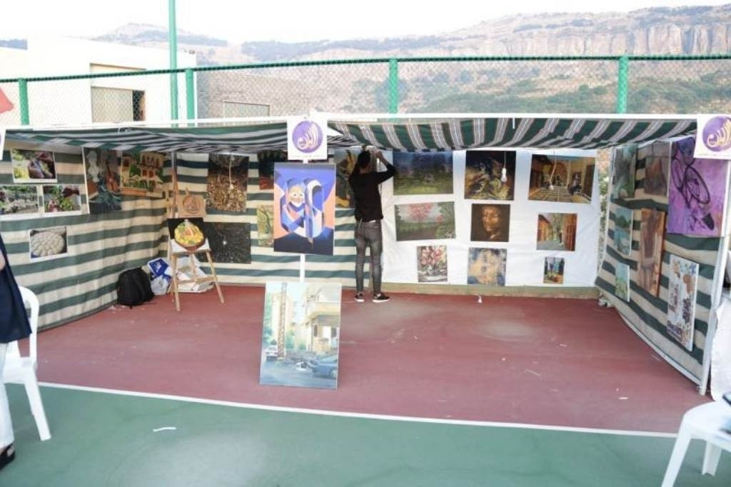 ملتقى الألوان الفني يشارك بمعرض المتن الأول في حمانا