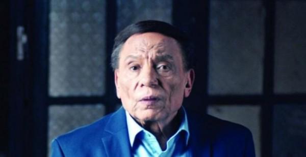 """عادل إمام وإبنه لن يتعاونا في السينما.. ولا جزء ثانٍ من """"هوجان"""""""