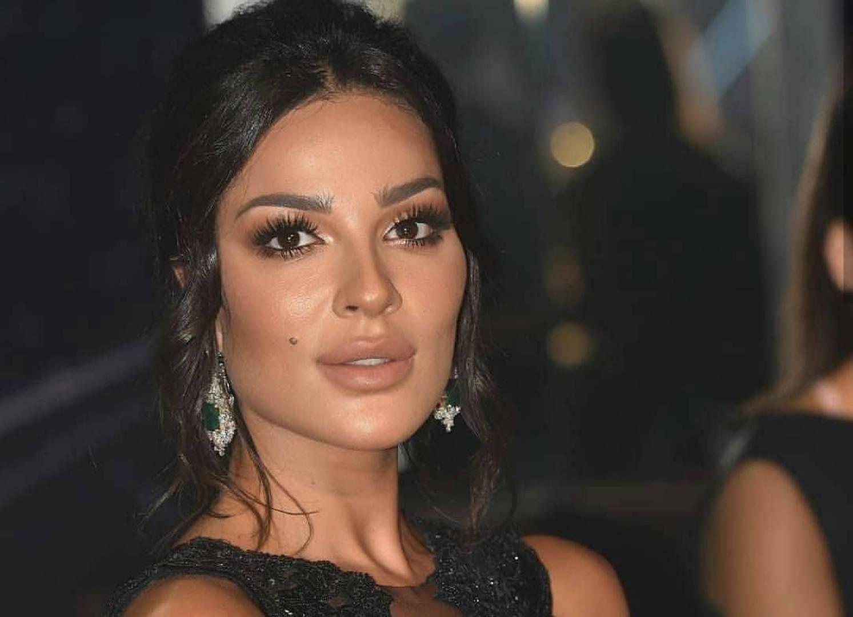 """تعليق نادين نسيب نجيم على حلق شعرها في """"خمسة ونص"""""""