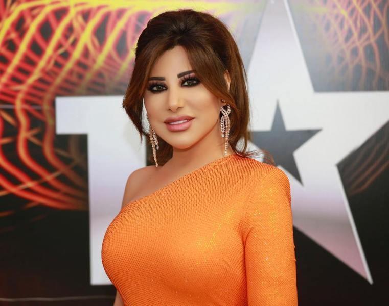 خمنوا كم بلغ ثمن فستان نجوى كرم في Arabs Got Talent