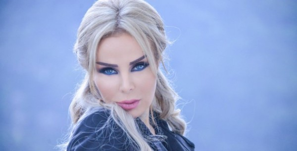 رولا سعد تشجّع المنتخب المصري بأغنية جديدة-بالصورة