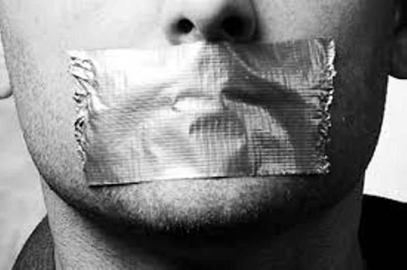 ممثل مصري ممنوع من الكلام لمدة 3 أسابيع
