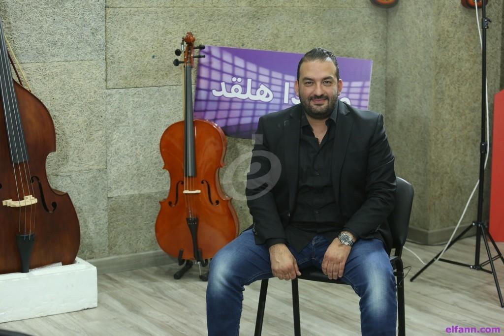 """خاص وبالفيديو- طارق كرم :""""عادل كرم تزوج مرتين ولا خلاف مع يارا"""""""