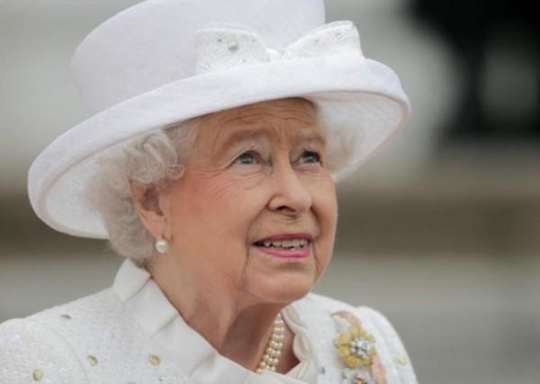 لن تصدقوا ماذا تعمل حفيدة الملكة إليزابيث عند حبيبها!!