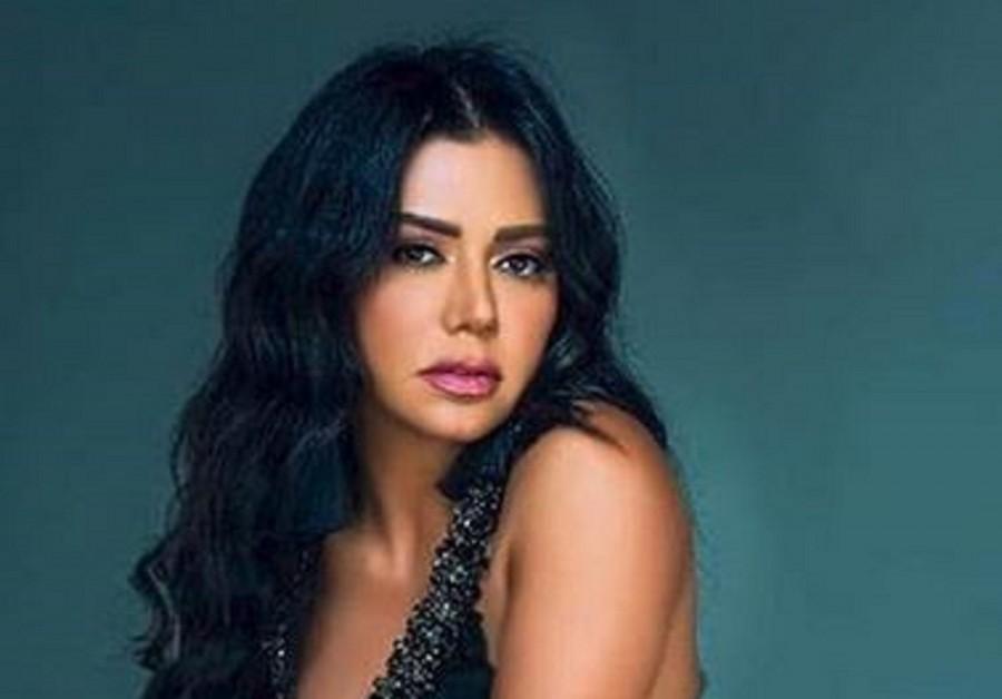 رانيا يوسف تثير الجدل بصورتها الجديدة