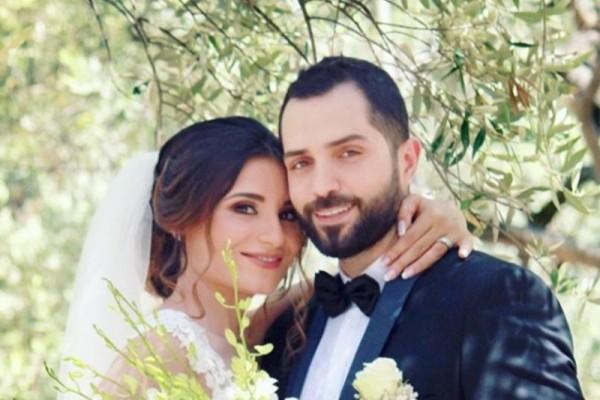 محمد باش برسالة رومنسية لزوجته إحتفالاً بعيد زواجهما الأول-بالصورة