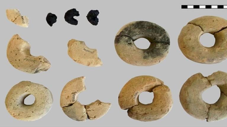 إكتشاف قطع أثرية مصنوعة من العجين