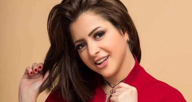 ممثلة مصرية تدعم منى فاروق ثمّ تتراجع لهذا السبب-بالصورة