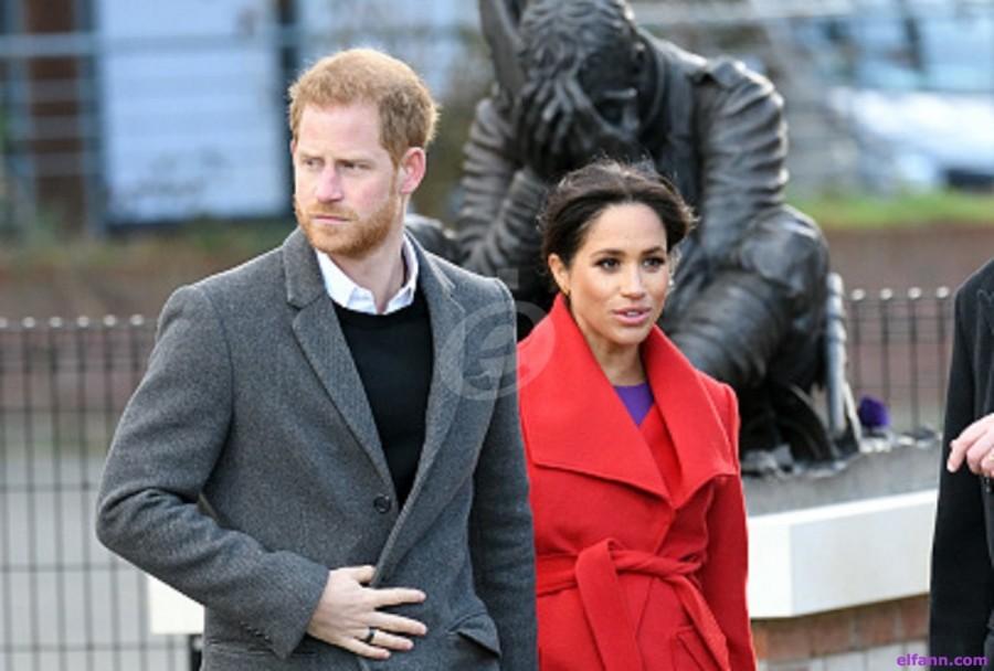 جنديان بريطانيان يفاجئان الأمير هاري في عيد الحب بغياب ميغان ماركل- بالصور