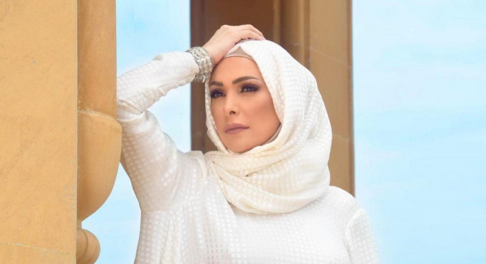 أمل حجازي ترد على منتقدي تصويرها مناسك الحج-بالفيديو