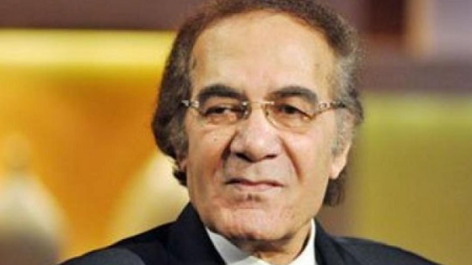 محمود ياسين.. فاتن حمامة أعطته فرصة البطولة وقصة حب مع شهيرة وخلاف مع عادل إمام