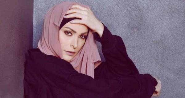 """أمل حجازي تثير الجدل بفيديو من """"الحج"""" وتتعرض للإنتقادات..بالفيديو"""