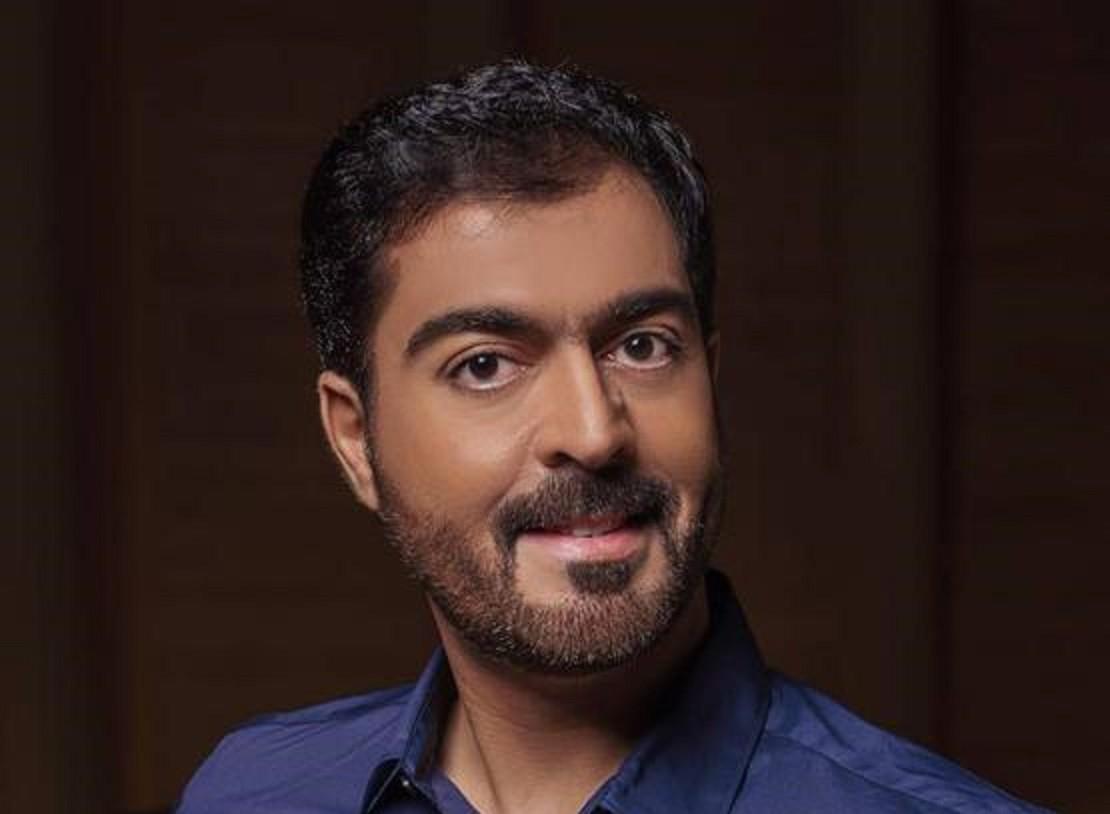 محمد المازم ترك وظيفته الحكومية ليتفرغ للفن.. وإعتزل الغناء العاطفي 11 عاماً