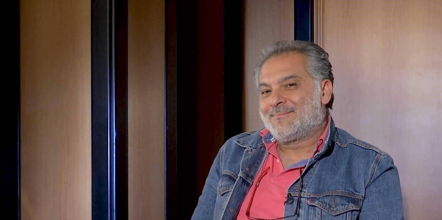 """حاتم علي كاتب وممثل ومخرج.. و""""الزير سالم"""" نقطة تحول في مسيرته"""