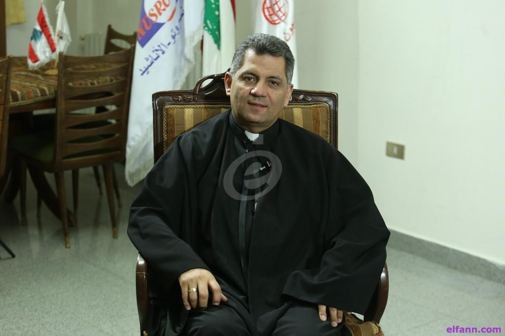 بالفيديو- الأب مروان غانم يتحدث عن المخدرات التي لا لون لها ولا رائحة ويوجه هذه الرسالة لوالدي المدمن